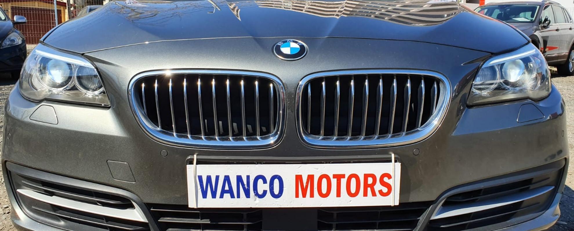 BMW Seria 5 525  X-Drive